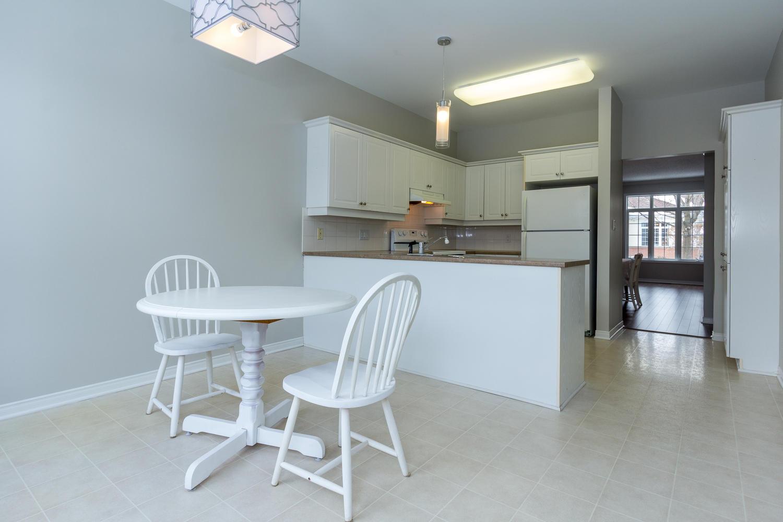 53 Paxton Ln Ottawa ON K1B 1B7-large-014-14-Kitchen-1500x1000-72dpi ...