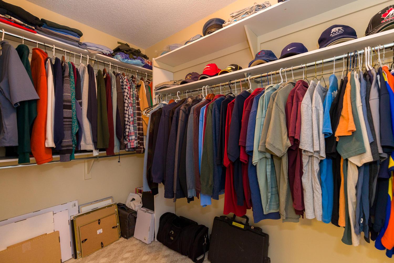 32 La Citadelle St Embrun On Large 016 12 Master Bedroom Closet 1500x1000 72dpi Ottawa Homes