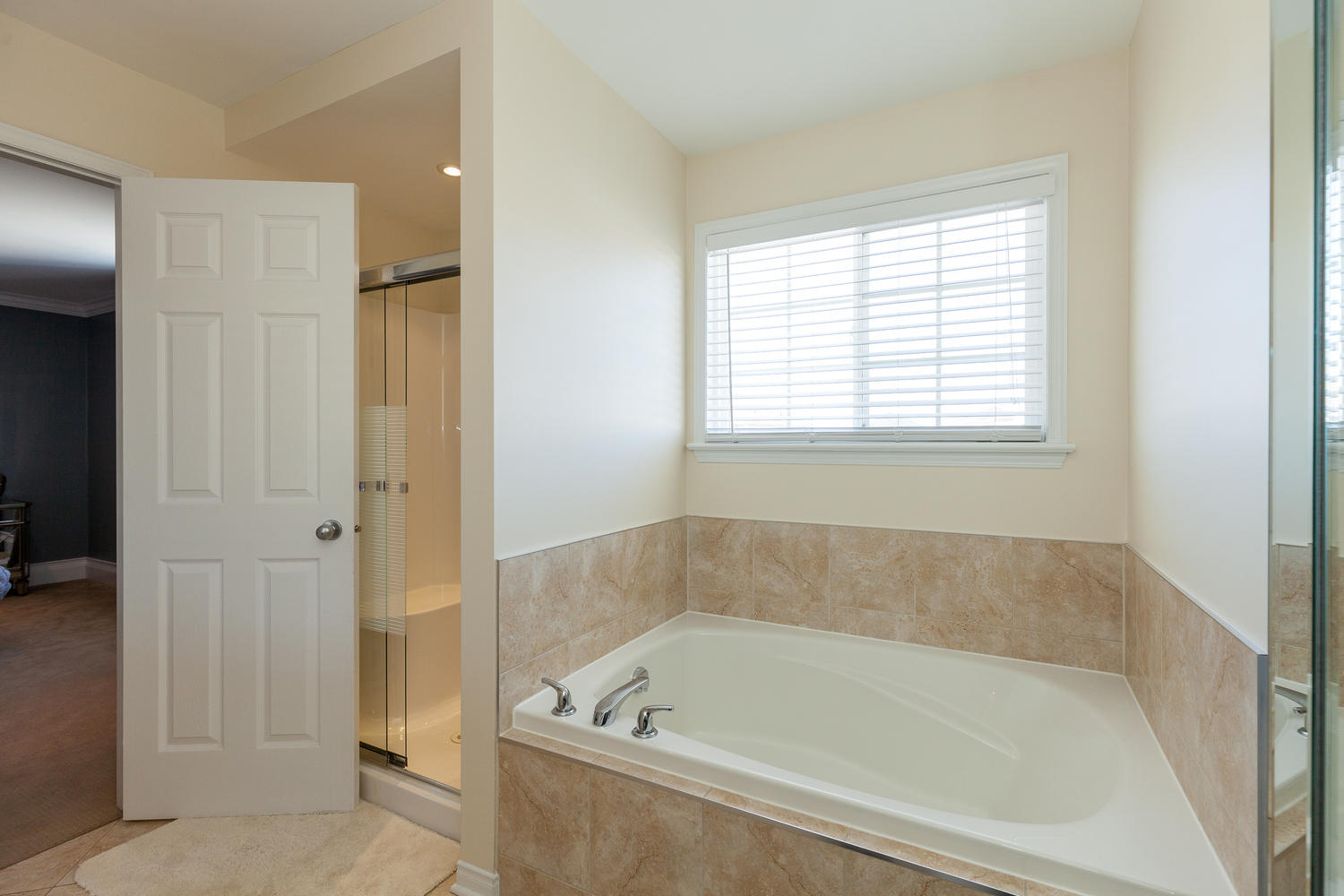 614 Amelia Pl Ottawa On K1w Large 020 14 Master Bedroom Ensuite 1500x1000 72dpi Ottawa Homes