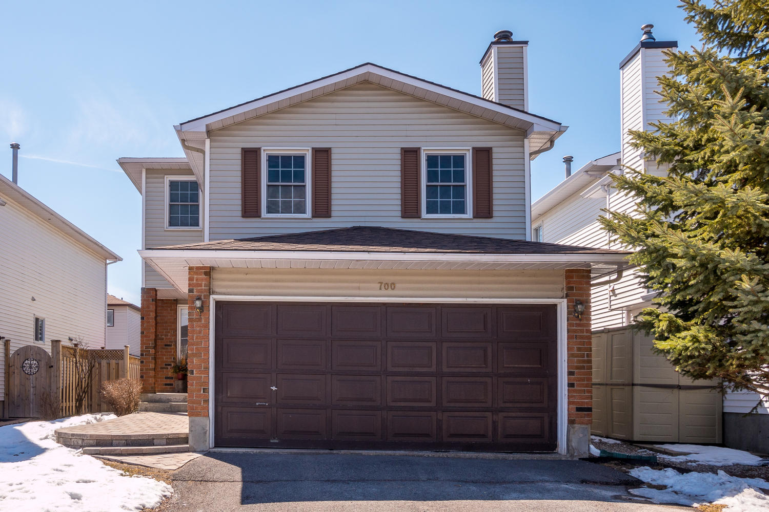 700 Levac Dr Ottawa ON K4A 2R1-large-001-30-Exterior Front