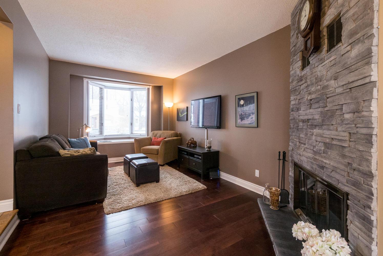 781 Harlequin Crescent Ottawa Large 006 16 Living Room 1495x1000 72dpi