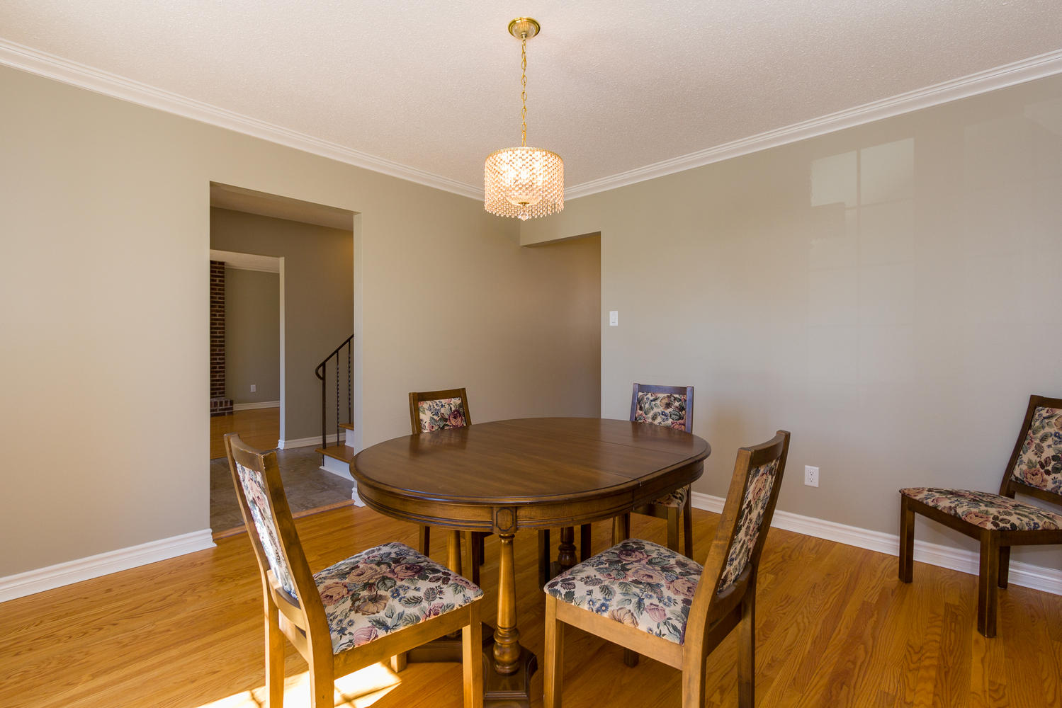 9 beechmont crescent ottawa on large 007 7 dining room for My dining room 9 course