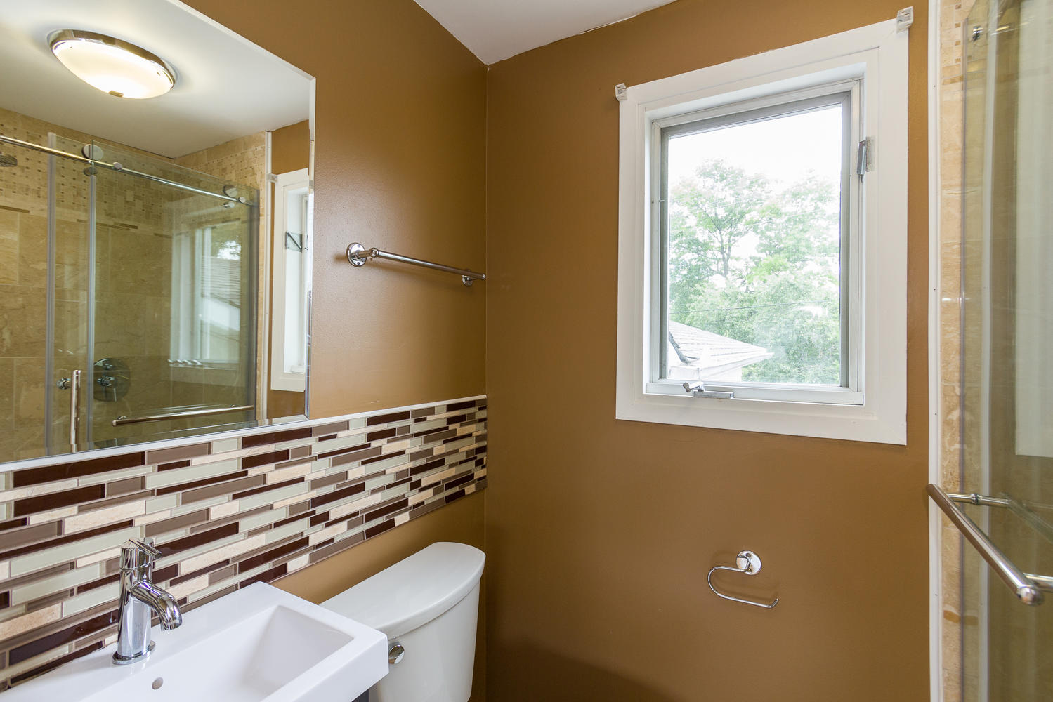 78 Bearbrook Rd Ottawa ON K1B-large-014-16-Master Bedroom Ensuite ...